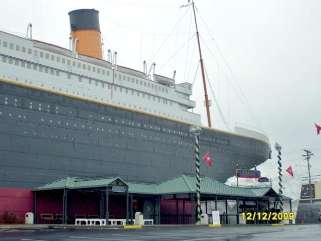 Titanic - Branson MO